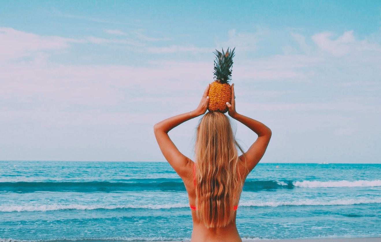 2 chicas espanolas en una playa nudista en vivo 1
