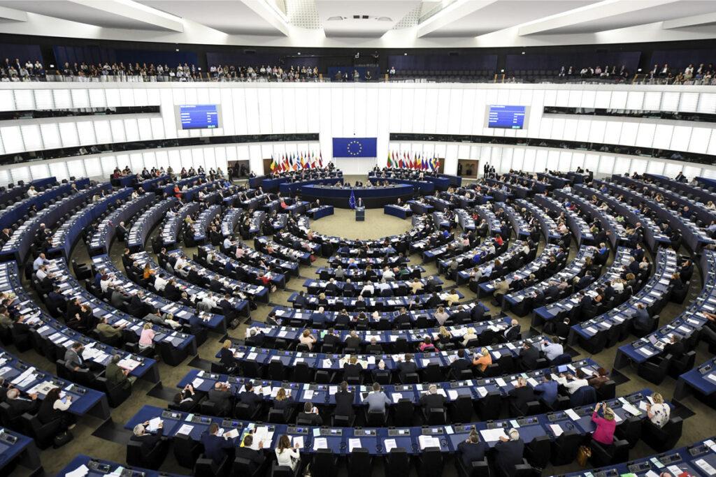 articulo 13 parlamento europeo